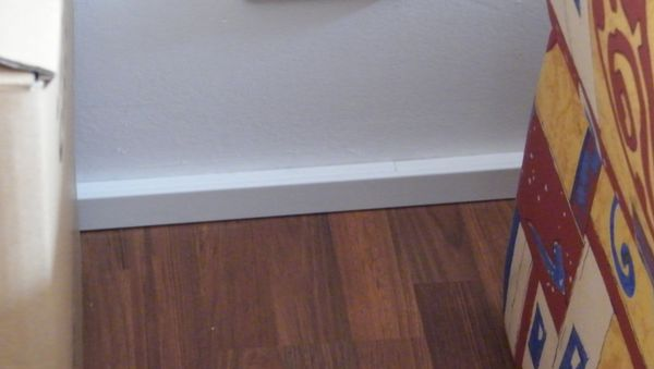 kabelkanal als fußleiste | gafu, Wohnzimmer